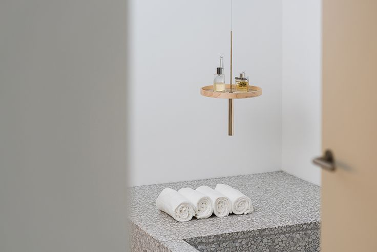 Raketa Elegantly Designs U0027circulumu0027 As A Floating Ceiling Shelf