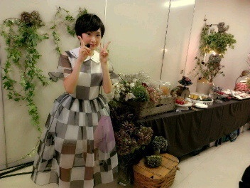 "乃木坂46 (nogizaka46) Ikoma Rina (生駒 里奈) so cute ^o^ ♥ ♥ well it's normal pic actually, it just me when seeing ikoma i feel like wanna scream ""ikoma so cuteeeeeeeee"" V^^ ♥ ♥ ♥ ♥ ♥"