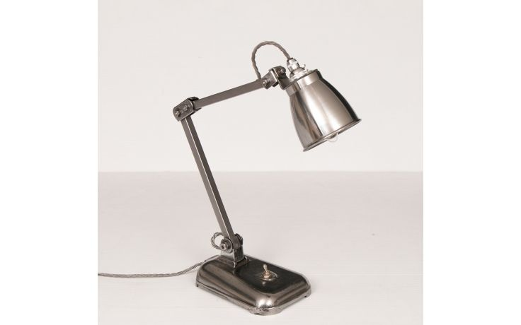 Industrial Desk Lamp By Memlite C 1940 275 In 2020 Desk Lamp Industrial Desk Lamp Lamp