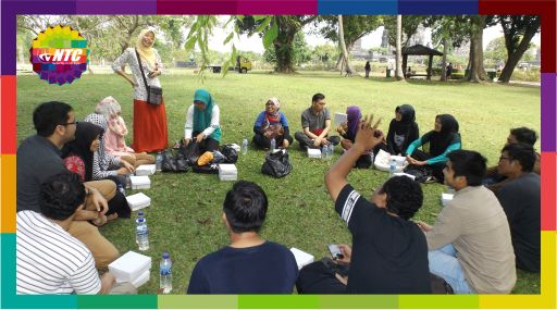 Kursus Speaking Englis Jogja bersama NTC Perkenalan antar-siswa sebelum melakukan wawancara dengan tourist