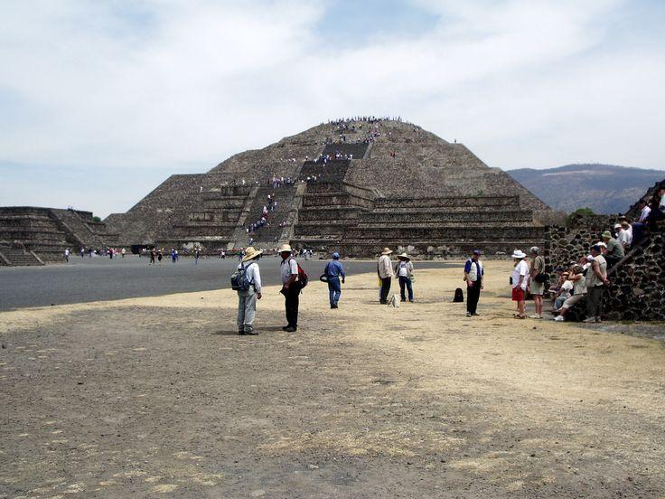 arrivée sur le site de Téhotihuacan, non loin de Mexico