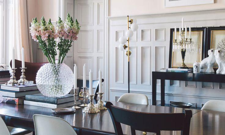 A busy dining table styled to the nines / HomeKika in hemma hos grundarna av Fabrique