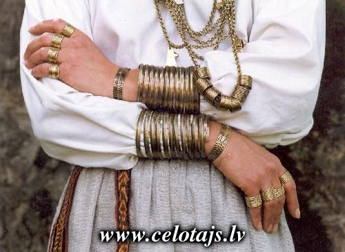 Seno rotu kalve. Ancient Lavtian jewelry