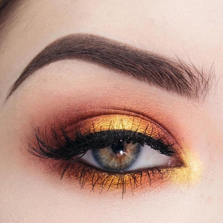 """""""We see @laura.beth.wilkerson's halo!  To create this seriously gorgeous look, she used these Makeup Geek Eyeshadows:  Vanilla Bean  Peach Smoothie …"""""""