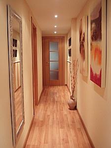 Como decorar un pasillo largo y estrecho