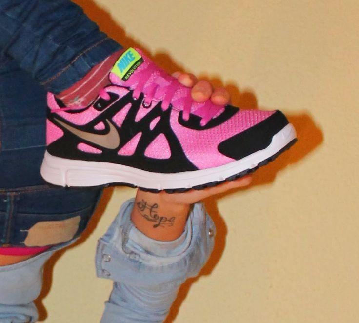 Carita de Mona: JUST DO IT  #Nike #sneakers #pink #fashion #post #blog #blogger #blogosfera #Spain #Hope #tattoo #wristtattoo