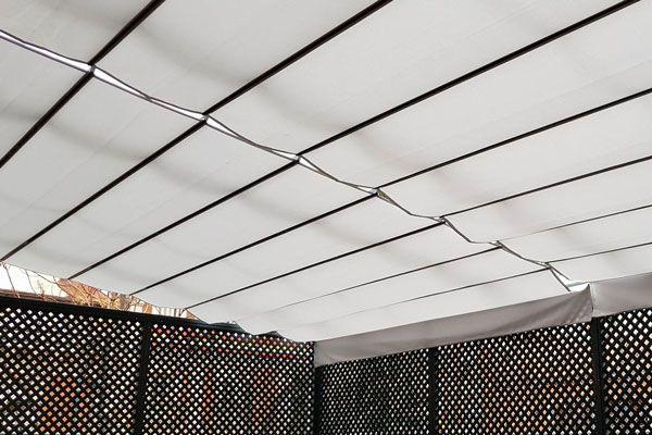 En Toldos Pino somos expertos en la instalación de pérgolas y toldos. Conoce todos los detalles de uno de nuestros últimos trabajos: la instalación de pérgolas y un toldo veranda para el edificio del Ministerio del Interior.