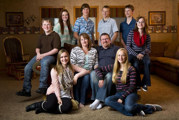 McCaughey septuplets with sister and parents