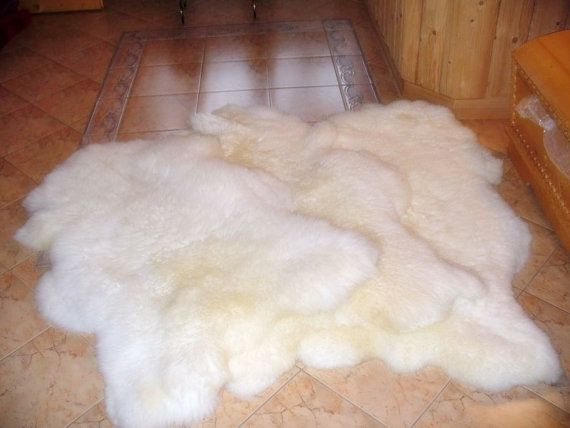 MEDIUM SHEEPSKIN White Throw Genuine leather by TrendingSlippers, $44.99