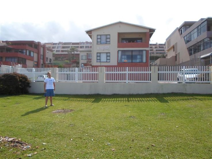 Unit 6 Arrilette Flats - Unit 6 Arrilette Flats is located along the coast in Margate.The apartment has two bedrooms and two bathrooms. There is a fully-equipped kitchen, a lounge with full DSTV/television, braai facilities and ... #weekendgetaways #margate #southcoast #southafrica
