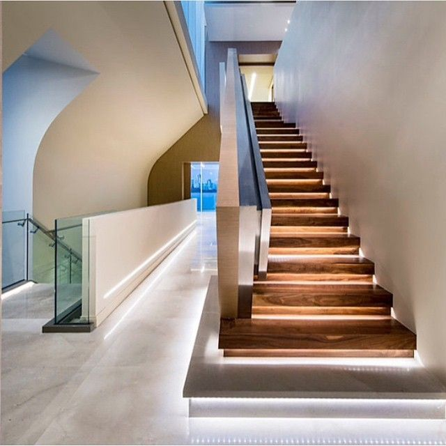 Lighting Basement Washroom Stairs: Amazing LED Staircase