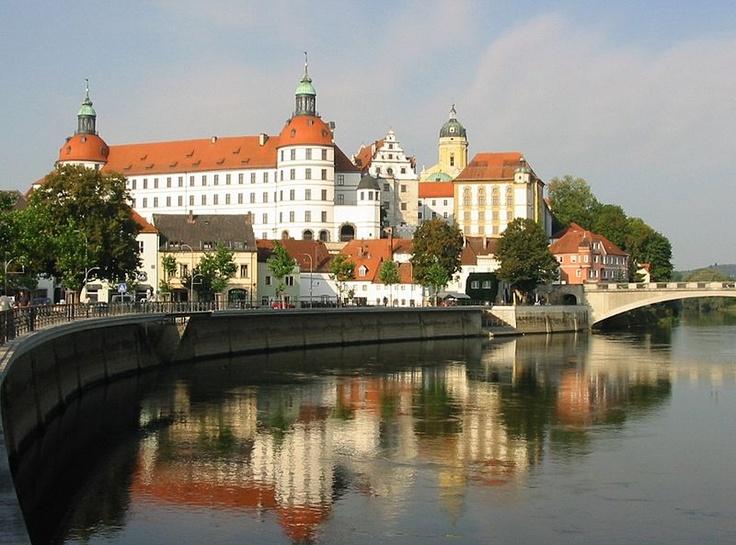 Schloss Neuburg.