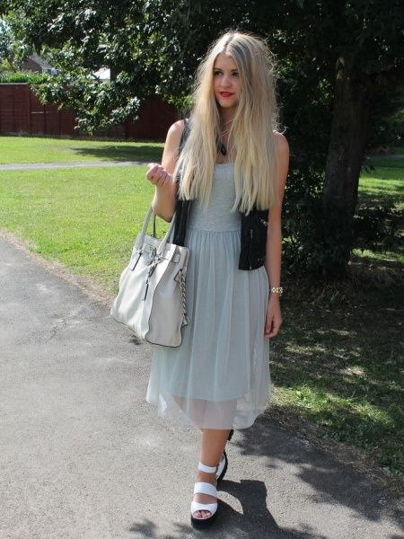 Tilly-Jayne Kidman from Look What I'm Wearing with the Michael Kors Hamilton Tote. August 2013