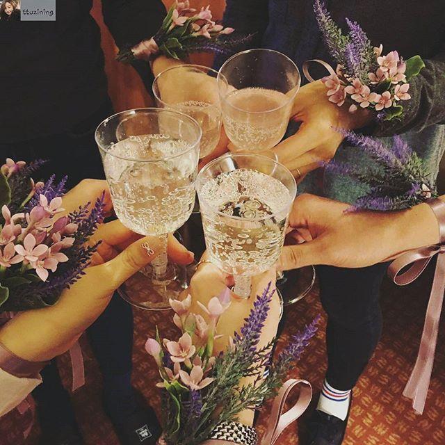 #Repost from @ttuzining with @regram.app ... 시트콤😍💚🌺#happybirthday#bridalshower#adieu2016    #이비스스타일강남 #호텔 #브라이덜샤워 #웨딩 #서울소규모웨딩 #생화장식 #꽃 #꽃스타그램
