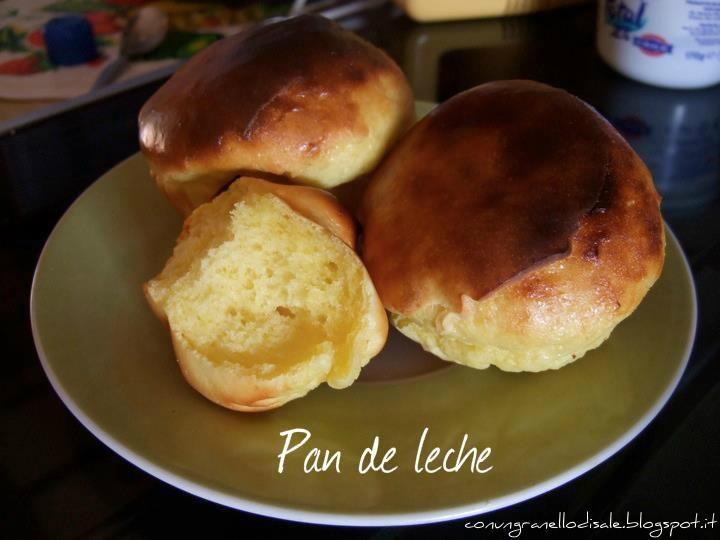 per quelle che vanno sempre di fretta e dicono di non essere abili in cucina, le sfido a provare il pan de leche .... un panino-brioch...