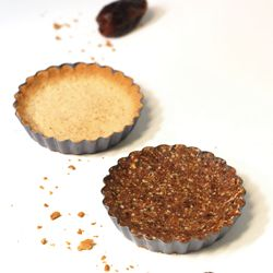 Tasty, melt in your mouth, date tarts made with 4 simple ingredients! This recipe is grain free, gluten free, nut free, egg free and dairy free.: Free Coconut, Tarts, Recipe, Dates, Simple, Nut Free, Coconut Flour, Allergy Free, Earth Land