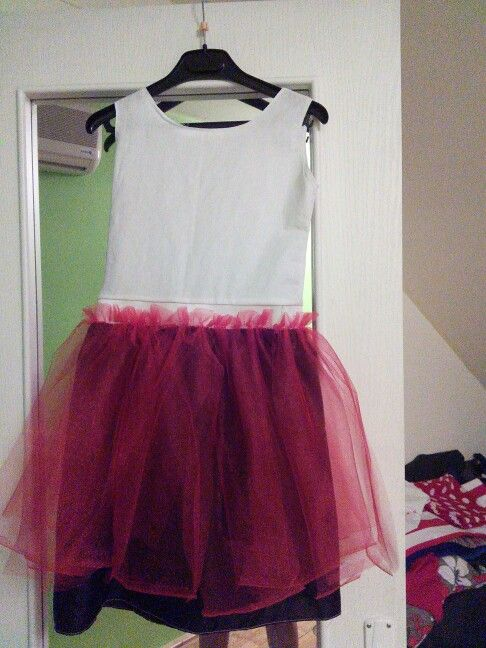 Getting close to Minnie Mouse dress