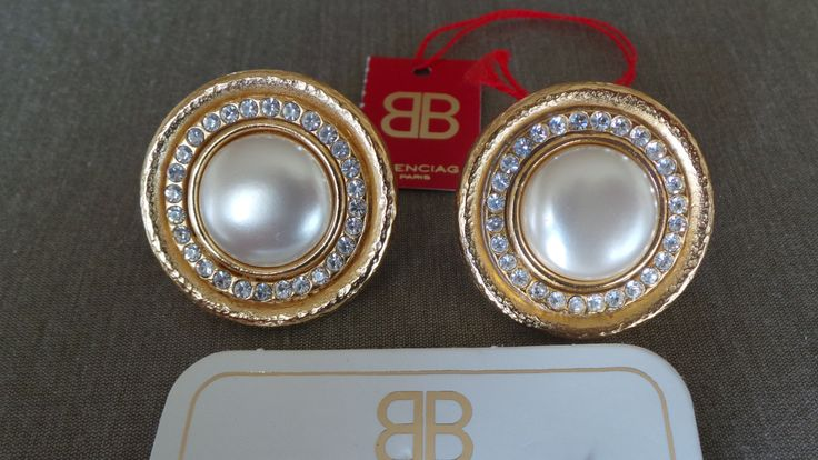 Boucles d'oreilles earrings Balenciaga vintage Métal doré incrusation de strass de la boutique ricomontmartre sur Etsy