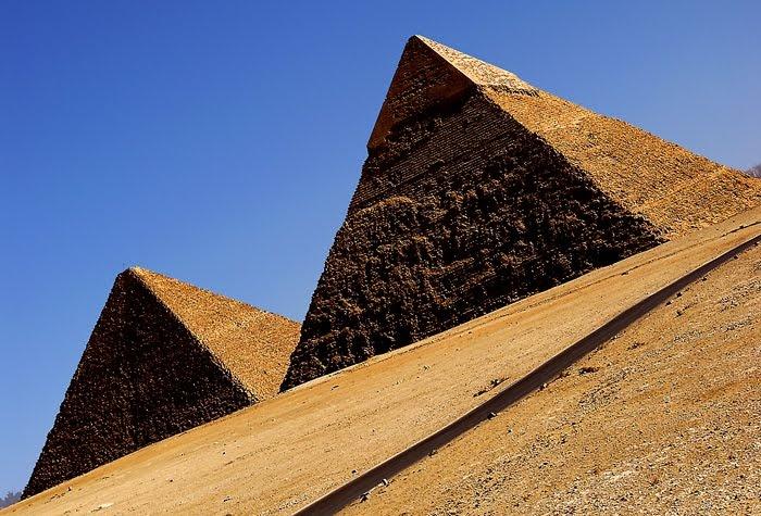 Los Pyramids