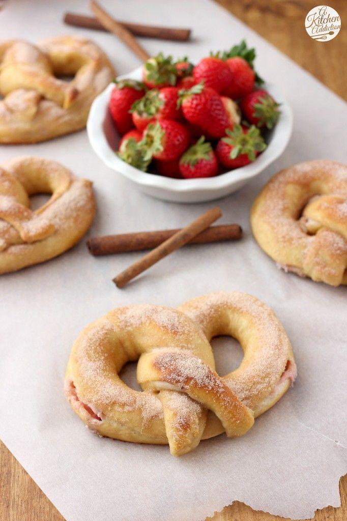Strawberry Cream Filled Cinnamon Sugar Pretzels Recipe l http://www.a-kitchen-addiction.com