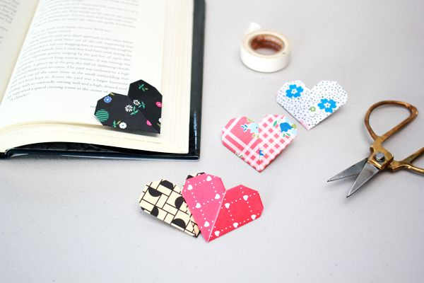 Heart shaped bookmarks. Also I'm obsessed with books, my bookshelf is full of stories, fantasy, knowledge, manga... and I've got a few cute bookmarks.