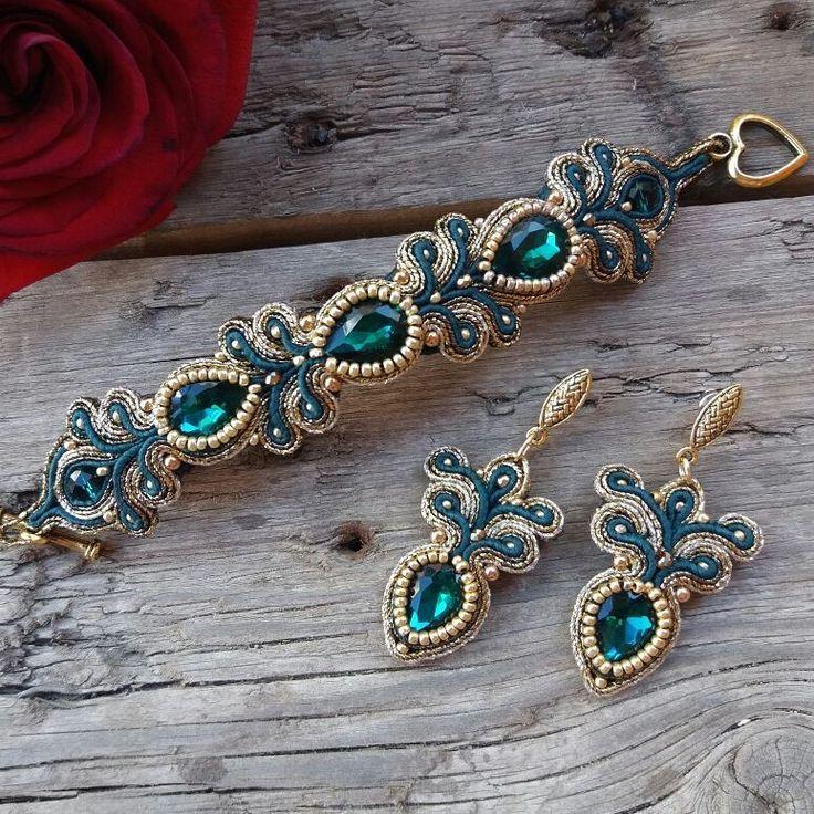 fiber art jewelry