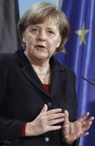 Angela Merkel susţine federalizarea UE
