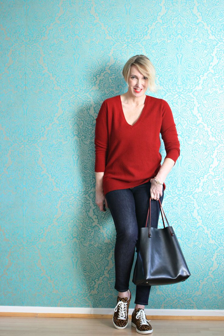 Entspanntes Outfit mit Sneakers