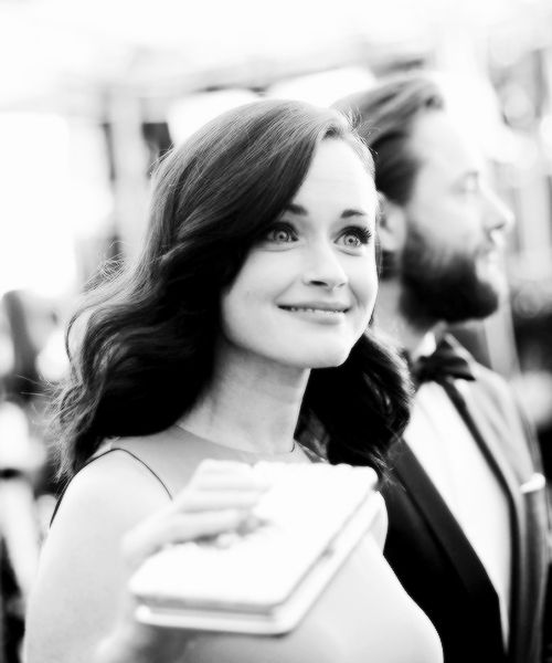"c-sand: ""  Alexis Bledel walking the red carpet at the 2016 Screen Actors Guild Awards. """