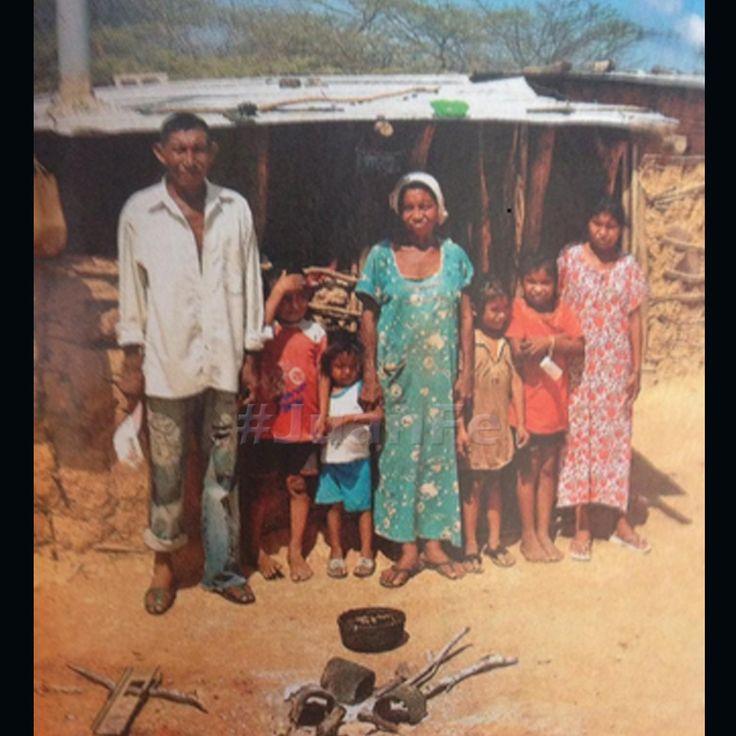 ¿Qué me pueden decir de esto? Familias enteras que entierran sus hijos por desnutrición en La Guajira. #NoHayDerecho