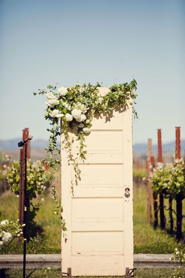 25 beautiful and inspiring ideas for your vintage wedding & 44 best Wedding Door Ideas images on Pinterest | Backdrops Folding ...
