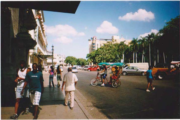 Σύνταξη & Φωτογραφίες Γιώργος Κωβαίος Αβάνα, Κούβα 2002 (περίπου) Απολαμβάναμε τις τελευταίες μέρες από τις διακοπές μας στην Κούβα. Ήταν βραδάκι και όπως όλος ο κόσμος, είχαμε βγει να διασκεδάσουμε σε μία από τις αμέτρητες πλατείες της Αβάνας. Να σημειώσουμε στο σημείο αυτό ότι αν θέλει κάποιος να διασκεδάσει πραγματικά στην Κούβα, δεν έχει από …