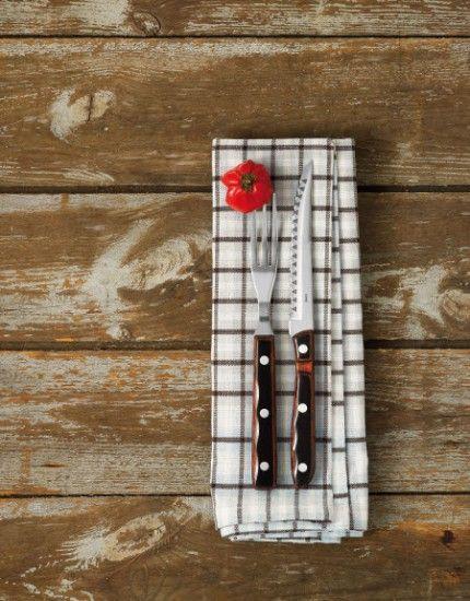Gense Old Farmer Classic. Den danskje designeren og arkitekten Bent Severin har utformet den populære Old Farmer serie som både inkluderer bestikk og kjøkkenkniver.