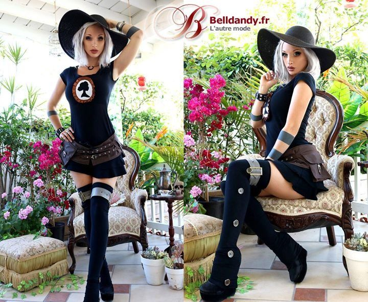 Top Tee Shirt Steampunk Couture Gothique Cameo Camée  https://www.belldandy.fr/top-tee-shirt-steampunk-couture-gothique-cameo-camee.html  Mini Jupe Steampunk Couture Gothique Rock Volants Noir  https://www.belldandy.fr/mini-jupe-steampunk-couture-gothique-rock-volants-noir.html  Guêtres Jambières Steampunk Couture Gothique Rock Sangle  https://www.belldandy.fr/guetres-jambieres-steampunk-couture-gothique-rock-sangle.html  Ceinture Ceinturon Pochette Steampunk Couture Gothique Brun…