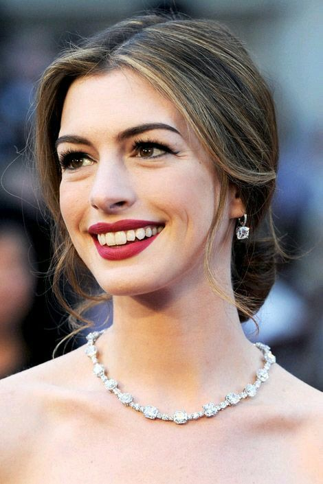 Anne Hathaway born November 12, 1982 (age 35) nudes (13 pics) Young, YouTube, cleavage