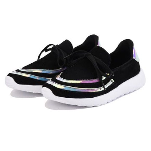 YRU Shoes - HOLOGRAPHIC BLACK SNEAKERS 👽