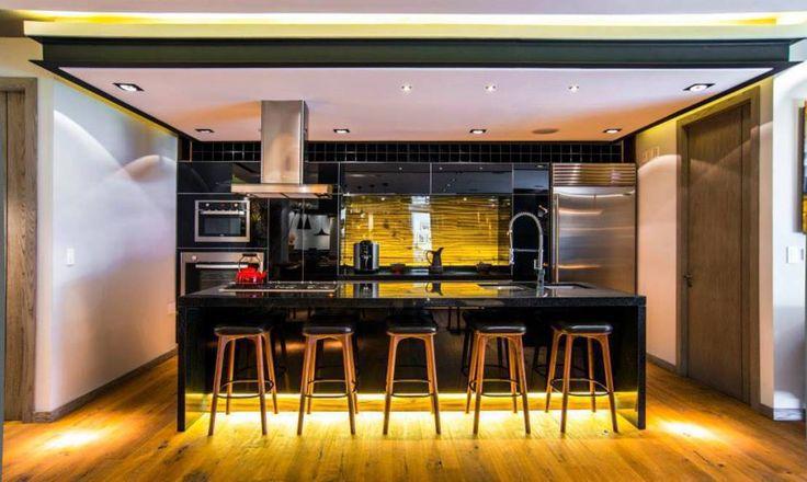 Eclectische keukens van Sobrado Ugalde Arquitectos