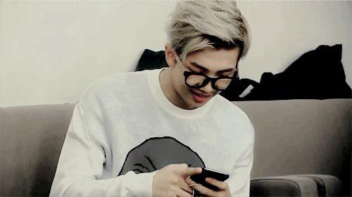 baebsaes:  namjoon texting you ;)