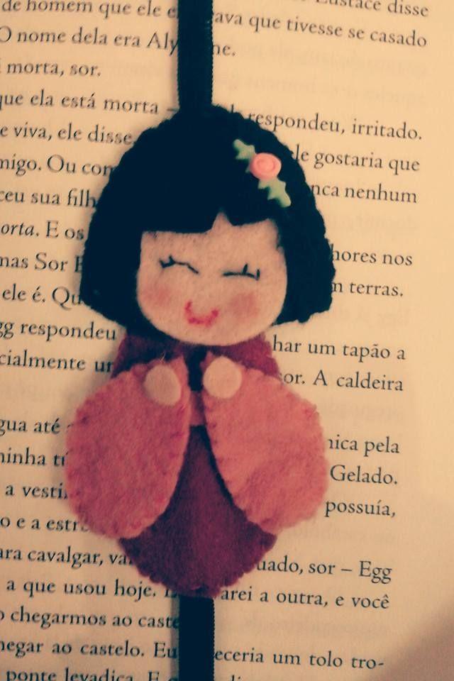 Marcador de livros bonequinha kokeshi