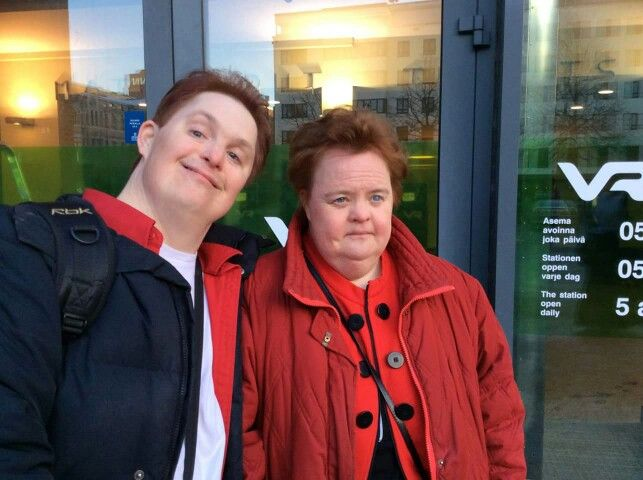 Tomi ja Susanna Tuominen tulivat 10.2.2015 TV2:n järjestämään Kehitysvammaisten teemailtaan.