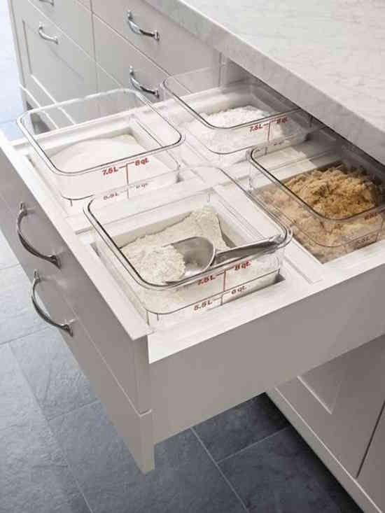 Au lieu de ranger les aliments secs dans un placard, vous pouvez les conserver dans un tiroir !