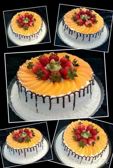 Tres leches cake with fresh fruit filling Pastel de tres leches