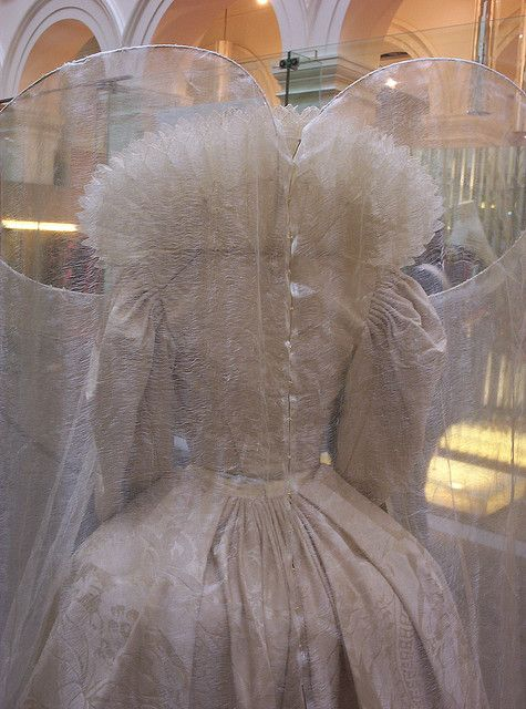 "From ""Elizabeth: The Golden Age"" (2007) worn by Cate Blanchett as Queen Elizabeth I design by Alexandra Byrne"