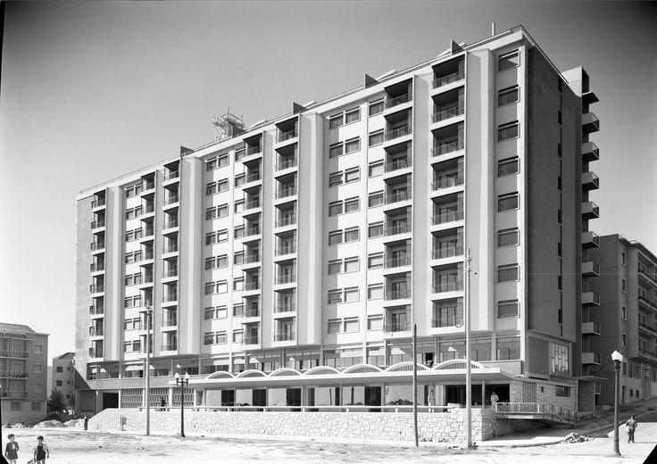 Bloco das Águas Livres, Lisboa.  Arquitetos responsáveis: Nuno Teotónio Pereira…