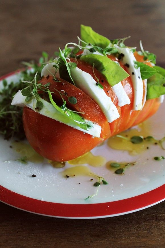 Salada no Tomate | Figos & Funghis