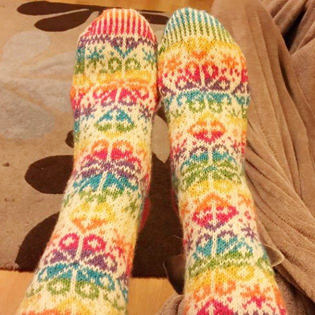 Feeling those #fairislefriday vibes with these amazing socks by @lauraeparsons_  Rainbow yarn is @westyorkshirespinners Signature 4ply in Rum Paradise. // #woolshop #yarnshop #alterknituniverse #aucustomermakes #socks #boxosoxkal #wyspinners #westyorkshirespinners #signature4ply #4ply #sockyarn #rainbowyarn #operationsockdrawer #auyarns //From our shop account: @AUshopUK follow us on instagram/twitter for more fun peeks into our shop near Bristol UK. http://ift.tt/1SPuuxi We're the wool shop…