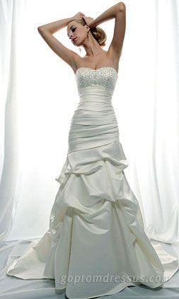 vestido de novia    vestidos de novia   vestidos de novias  http://riomarfotografosdeboda.com