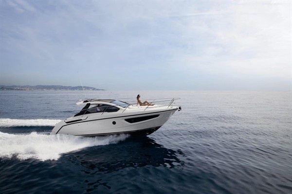 Azimut Yachts And Atlantis Present New Boats At Dusseldorf Boat Show 2013