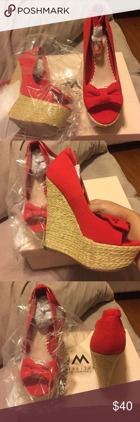 Wedgey wedge Never been use , perfect for casual attire , it comes with a box madison Shoes Wedges