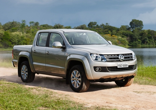 VOLKSWAGEN LAUNCHES 2013 LINE OF AMAROK PICKUP WITH NEW STANDARD FEATURES AND OPTIONAL | www.carskings.com